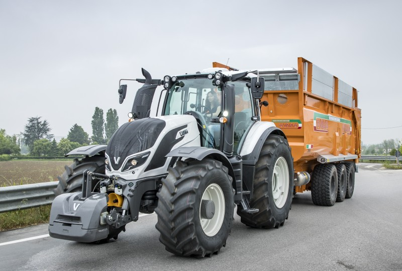 Valtra T254 Versus Smart Touch
