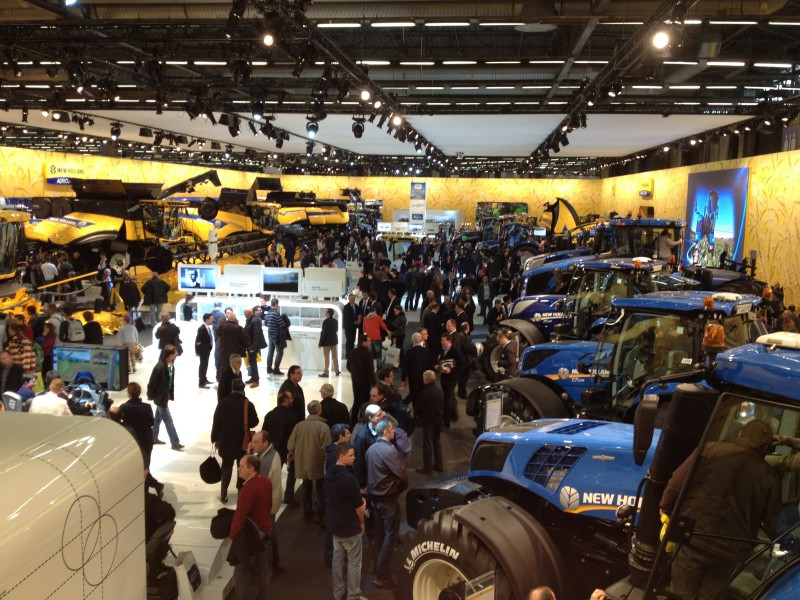 SIMA 2015 - NEW HOLLAND